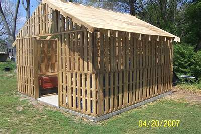 Wood Pallet Furniture on Check This Out  A Wood Pallet Shed
